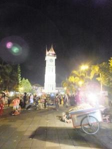 Keadaan Jam Gadang dilihat dari arah Istana Bung Hatta