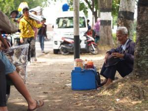 Salah satu petikan kehidupan masyarakat perkotaan. Ilustrasi Gambar: Internet